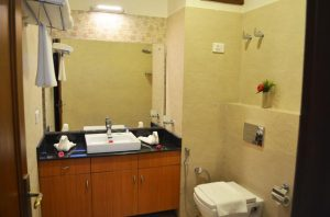 Una hotel bhowali Wash Room